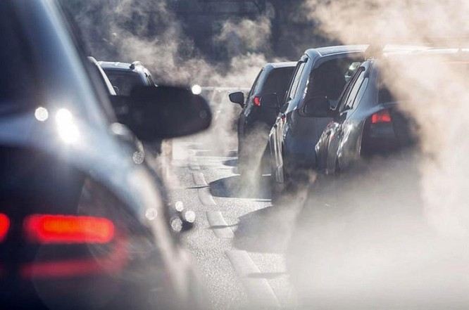 Tuyên bố này được Thủ tướng Anh – ông Boris Johnson đưa ra tại sự kiện mở đầu cho Hội nghị Thượng đỉnh Liên hợp quốc về Biến đổi khí hậu (COP26) diễn ra vào tháng 11 tới tại Glasgow, hãng tin BBC cho biết. Theo tờ Reuters, Anh cam kết đạt mục tiêu đưa mức phát thải khí gây hiệu ứng nhà kính về mức 0 thông qua việc đầu tư vào công nghệ sạch hơn, bảo tồn môi trường sống tự nhiên và thực hiện các biện pháp cải thiện khả năng phục hồi cho các quốc gia những những tác động tiêu cực của biến đổi khí hậu. Bên cạnh đó, Anh cũng đã kêu gọi và cổ vũ các quốc gia cùng chung tay trong cuộc chiến đẩy lùi ô nhiễm môi trường.