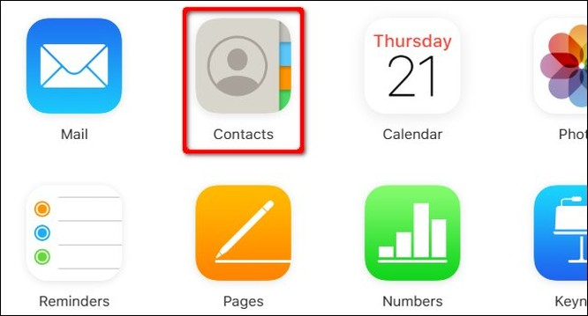 Trên máy tính Windows 10, đăng nhập vào trang wed iCloud bằng Apple ID của bạn. Click vào Contacts.