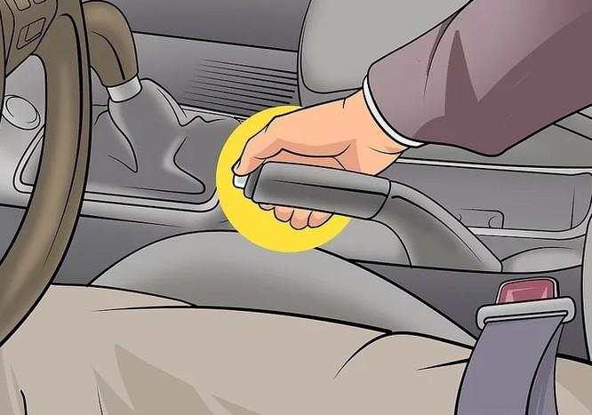 Cách xử lý ô tô mất phanh để tránh tai nạn thảm khốc ảnh 5