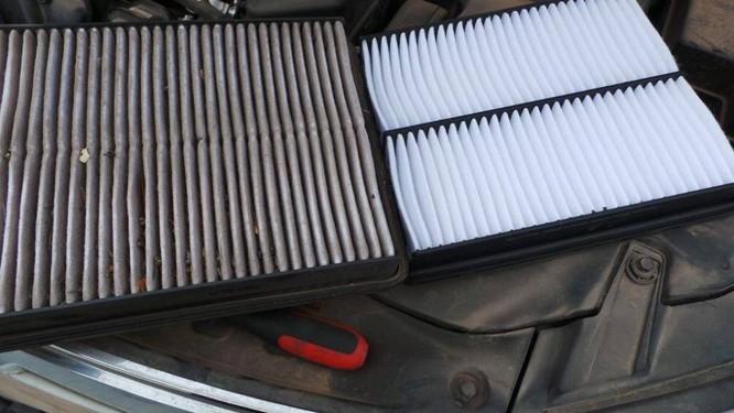 Lọc gió khoang lái (lọc gió điều hòa) có nhiệm vụ lấy không khí trong sạch từ bên ngoài đưa vào khoang hành khách, có ảnh hưởng trực tiếp tới sức khỏe của những người ngồi trên xe