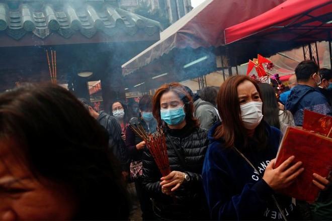Hong Kong phát hiện hàng loạt ca nhiễm virus corona từ một ngôi chùa ảnh 1