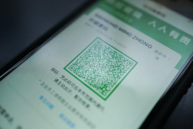 Mã QR hiển thị màu xanh lá cây nghĩa là được phép đi lại tự do.