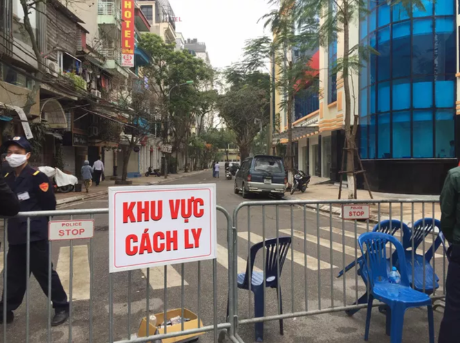 Vì sao Việt Nam miễn phí điều trị Covid-19 cho cả người Việt và người nước ngoài? ảnh 2