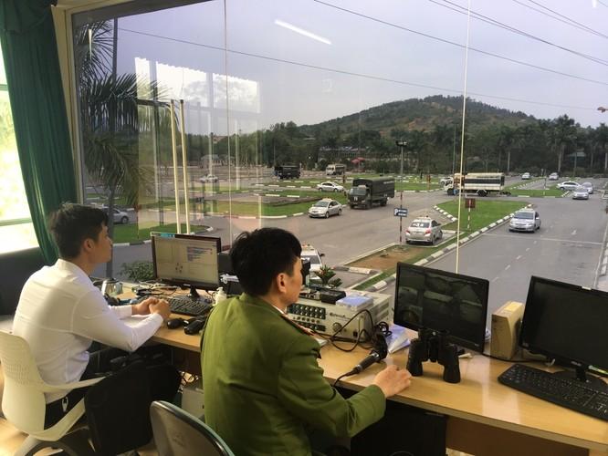 Hơn 100 xe ô tô tập lái hoạt động hết công suất tại Trung tâm Đào tạo và sát hạch lái xe trường Đại học PCCC (địa chỉ tại huyện Lương Sơn – Hòa Bình). Ảnh: Hoàng Hiệp