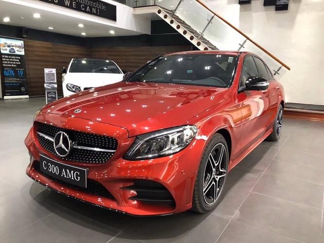 Mercedes-Benz C300 AMG được các đại lý miễn 90-100% trước bạ cho khách hàng mua xe.