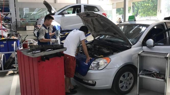 """Tiếng """"lách cách"""" có dấu hiệu cho thấy động cơ đang chạy ở mức dầu quá thấp, van bị lỏng hoặc 1 số bộ phận khác bị lỗi"""
