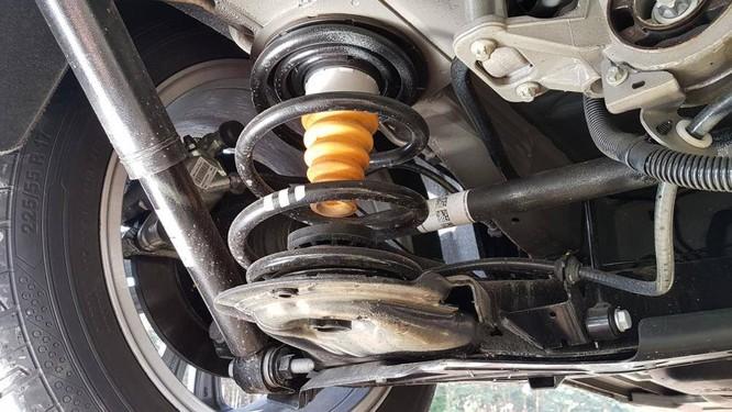 Một hệ thống treo nhẹ cũng có thể là lý do khiến các bánh xe không được cân bằng với các đối trọng