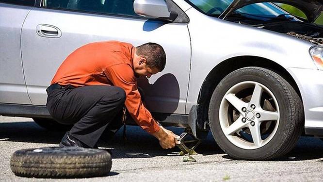 Tay lái ô tô bị rung, xe bị hỏng ở đâu? ảnh 3