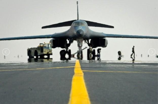 Sức mạnh đặc biệt của máy bay ném bom Mỹ điều tới Biển Đông ảnh 8