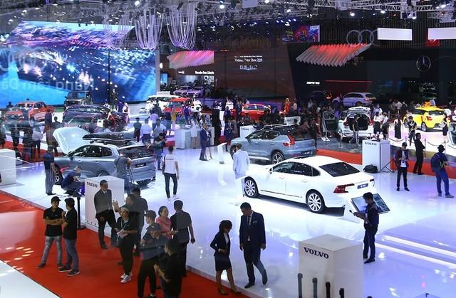 Chưa bao giờ thị trường ôtô Việt Nam lại có giai đoạn khó khăn như hiện nay.