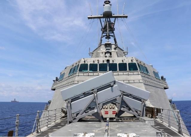 Gabrielle Giffords là tàu hải quân thứ 16 của Mỹ được đặt theo tên của một phụ nữ.