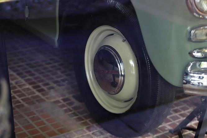 Ngắm loạt xe ô tô từng gắn bó với Bác Hồ ảnh 12
