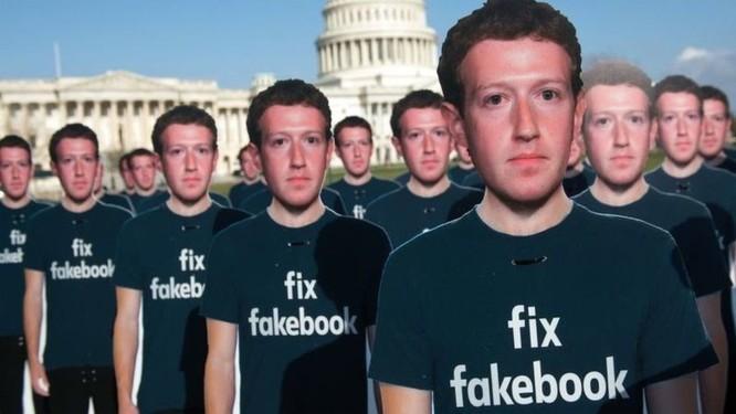 """Chính phủ các nước đang """"vật lộn"""" với việc quản lý mạng xã hội"""