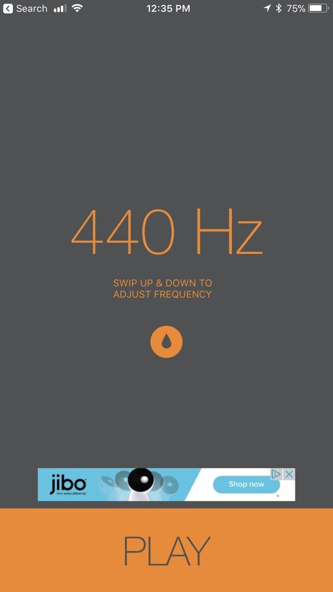 Hãy chạm và giữ vào biểu tượng giọt nước ở giữa màn hình. Dù Sonic đang hiển thị 440 Hz, 1080 Hz hay bất cứ tần số nào - một âm thanh đúng chuẩn đẩy nước sẽ phát ra từ iPhone khi bạn chạm và giữ giọt nước.