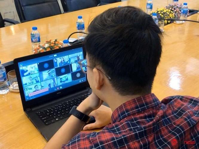 Phát triển và cho ra mắt các nền tảng số là giải pháp đột phá để thúc đẩy nhanh tiến trình chuyển đổi số tại Việt Nam.