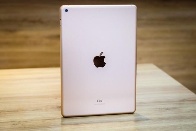Apple chuẩn bị trình làng iPad 10,8 inch ảnh 1