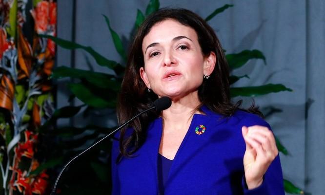 Sandberg họp báo tại New Zealand cuối năm 2019. Ảnh: Reuters.