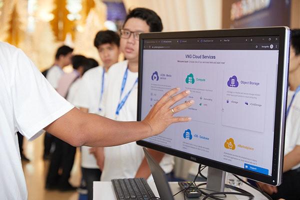 Theo khuyến nghị của chuyên gia Google, trọng tâm đầu tiên Việt Nam nên xem xét là cơ sở hạ tầng CNTT cho thế kỷ 21, đặc biệt nên tăng cường áp dụng công nghệ điện toán đám mây. (Ảnh minh họa)