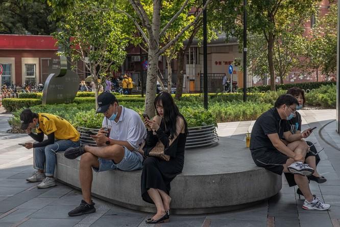 Người Trung Quốc đã quá quen với các công cụ tìm kiếm, mạng xã hội và app mua sắm do Trung Quốc phát triển. Ảnh: Shutterstock.