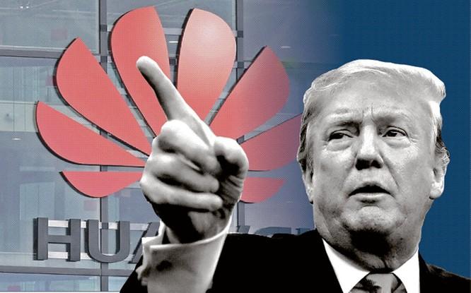 Dưới nhiệm kỳ ông Trump, Huawei và các công ty Trung Quốc chịu nhiều khó khăn hơn trước. Ảnh: Reuters.