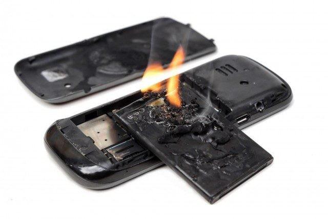 Xử lý cực nhanh khi phát hiện điện thoại bị phồng pin ảnh 5
