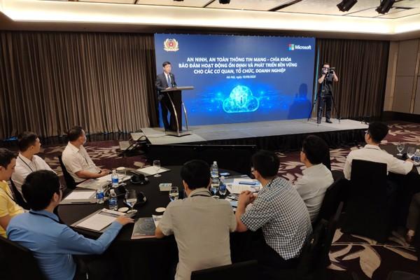 """Cục An ninh mạng và phòng chống tội phạm sử dụng công nghệ cao và Microsoft tổ chức Hội thảo chuyên đề """"An ninh, an toàn thông tin mạng – Chìa khóa đảm bảo hoạt động ổn định và phát triển bền vững cho các cơ quan, tổ chức, doanh nghiệp"""" tại Việt Nam."""