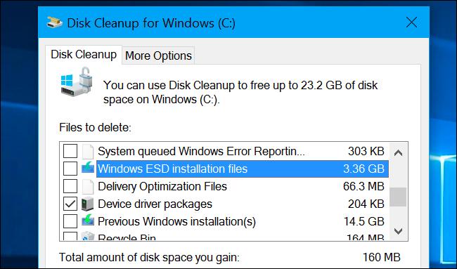 """Xóa tệp """"Windows ESD Installation Files"""" có thể giải phóng tới vài GB dung lượng ổ cứng, nhưng cũng có thể gây ra sự cố cho máy tính của bạn."""