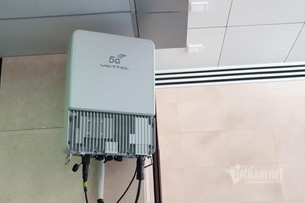 Một thiết bị mạng 5G Make in Vietnam đang trong quá trình hoạt động thử nghiệm tại trụ sở Bộ TT&TT. Ảnh: Trọng Đạt