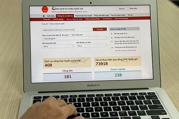Nghiên cứu giải pháp miễn, giảm phí, lệ phí thực hiện dịch vụ công trực tuyến.
