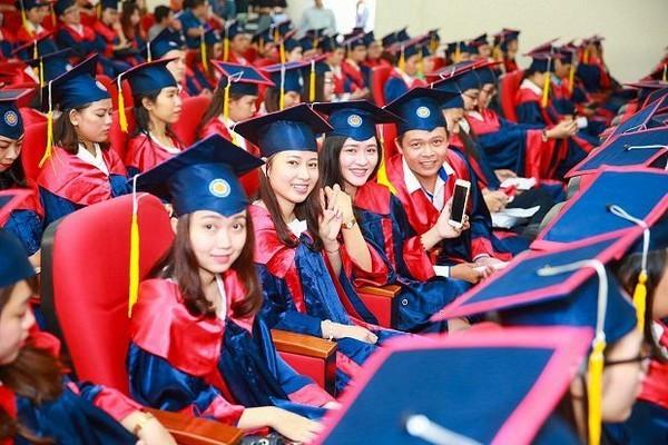 Báo chí cần tận dụng nguồn lực rảnh rỗi là các sinh viên tốt nghiệp đại học, thay vì để Grab làm điều đó.