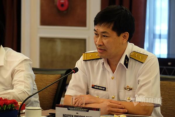 Đại diện Tổng công ty Tân Cảng Sài Gòn cho biết đơn vị này đang vận hành hệ thống cảng điện tử, 5 năm tới sẽ xây cảng tự động hóa và hướng tới cảng thông minh. Ảnh: Trọng Đạt