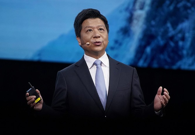 Chủ tịch luân phiên của Huawei Guo Ping tại sự kiện Huawei Connect 2020. Ảnh: Reuters.