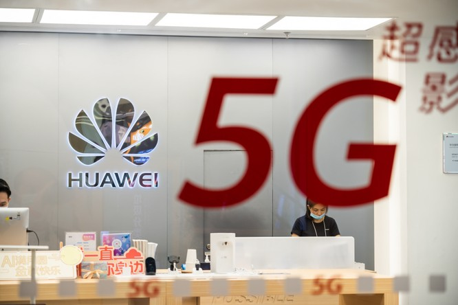 Anh tố Huawei câu kết với Bắc Kinh, cân nhắc loại bỏ sớm hơn dự kiến ảnh 1