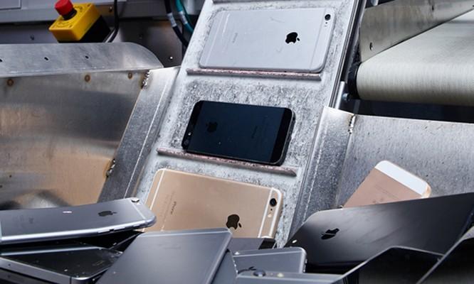 Nhiều iPhone cũ được Apple tháo rời linh kiện hoặc tiêu hủy. Ảnh: Apple.