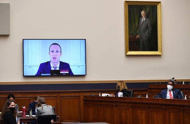 Mark Zuckerberg điều trần qua video trước Hạ viện Mỹ vào cuối tháng 7. Ảnh: Bloomberg.