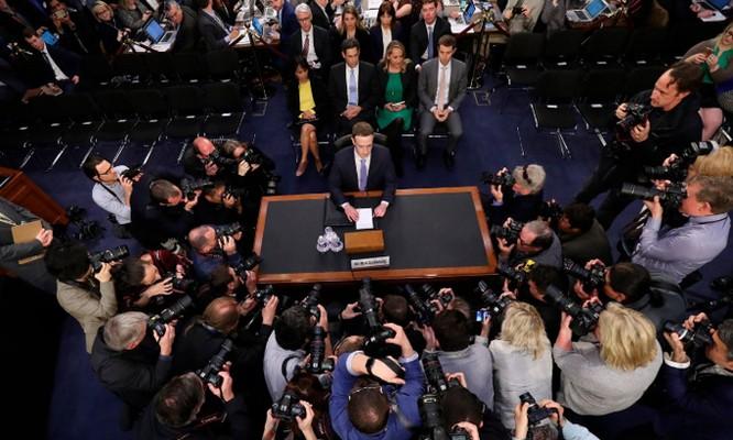 Mark Zuckerberg đang dấn thân vào chính trị ảnh 1