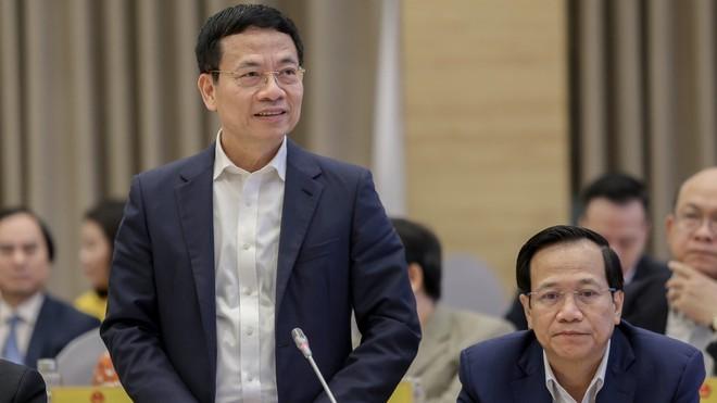 Bộ trưởng Nguyễn Mạnh Hùng: Cần dạy học bắt buộc môn ngôn ngữ lập trình ở phổ thông ảnh 1