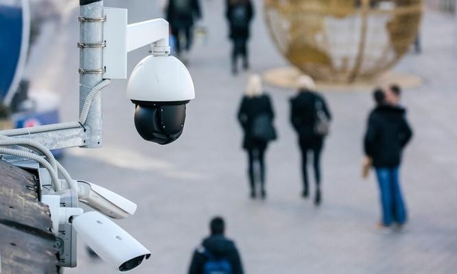 Con người muốn chống lại công nghệ nhận diện ảnh 1