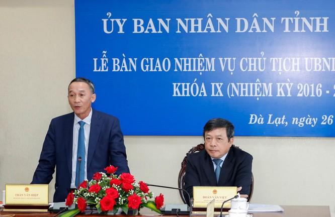 Bàn giao nhiệm vụ Chủ tịch UBND tỉnh Lâm Đồng khoá IX, nhiệm kỳ 2016 - 2021 ảnh 5