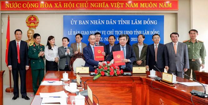 Bàn giao nhiệm vụ Chủ tịch UBND tỉnh Lâm Đồng khoá IX, nhiệm kỳ 2016 - 2021 ảnh 1