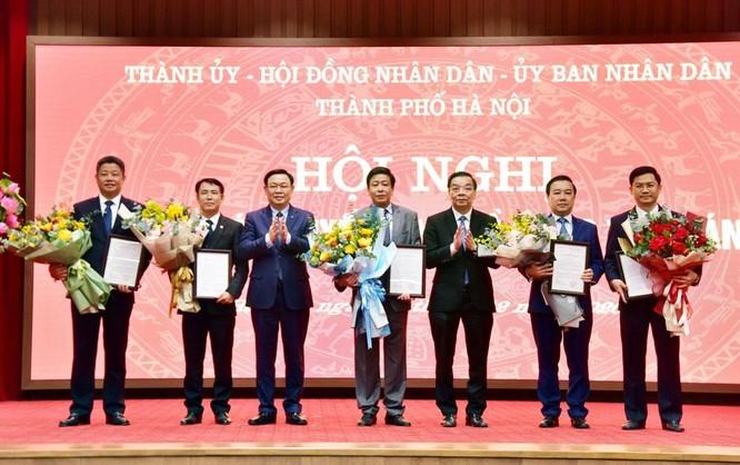 Công bố quyết định phê chuẩn 5 Phó Chủ tịch UBND thành phố Hà Nội ảnh 2