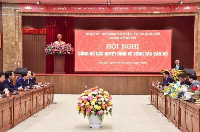 Công bố quyết định phê chuẩn 5 Phó Chủ tịch UBND thành phố Hà Nội ảnh 1