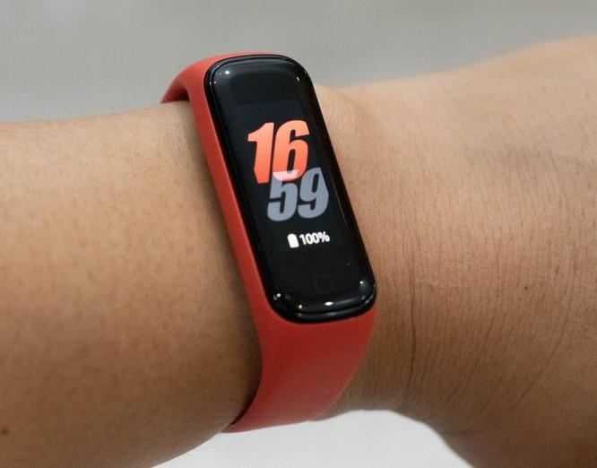 5 smartwatch giá rẻ đáng chú ý ảnh 4