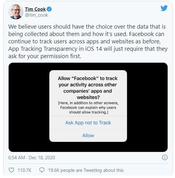 Tim Cook 'đáp trả' Mark Zuckerberg ảnh 1