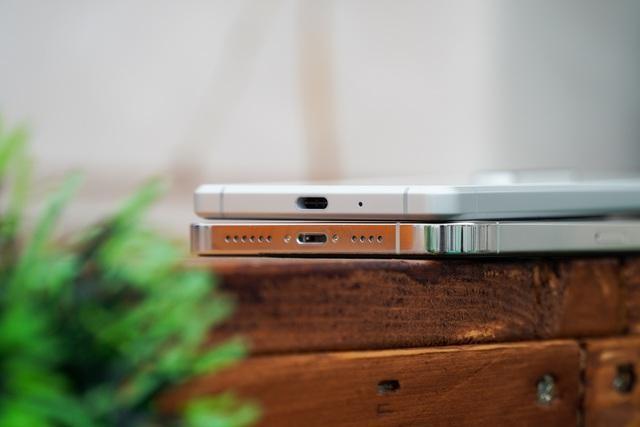 Sony Xperia 1 II đọ dáng iPhone 12 Pro Max: 30 triệu chọn smartphone nào? ảnh 5