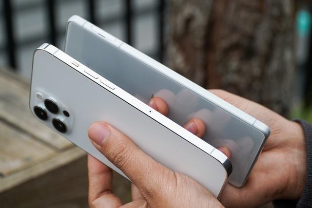 Sony Xperia 1 II đọ dáng iPhone 12 Pro Max: 30 triệu chọn smartphone nào? ảnh 10