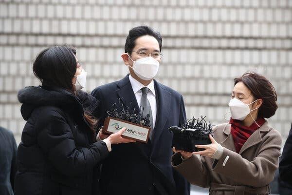 """Samsung tính phương án để """"Thái tử"""" Lee Jae-yong điều hành tập đoàn sau song sắt ảnh 1"""