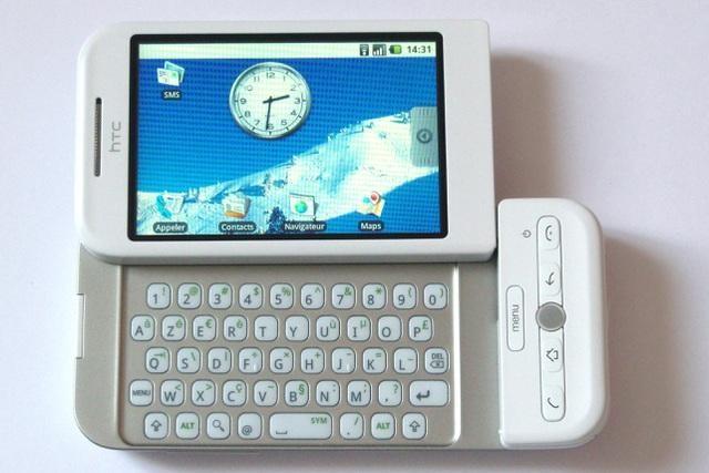 """""""Cái chết"""" của bàn phím vật lý trên smartphone ảnh 1"""