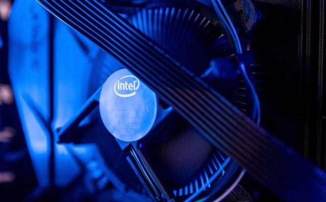 Intel dùng 20 tỷ USD 'đấu' các nhà sản xuất bán dẫn châu Á ảnh 1