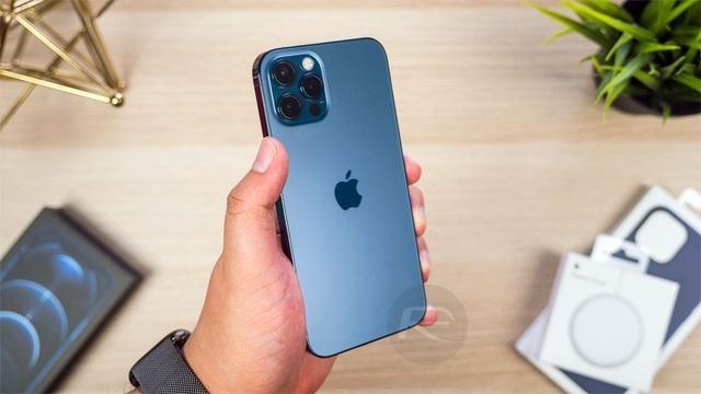 Loạt smartphone giảm giá cả chục triệu đồng đầu tháng 4 ảnh 3